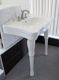 Accessible sinks